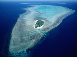 Aerial view of Heron Island and the Great Barrier Reef, Australia
