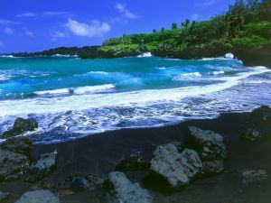 Black beach, Hawaii