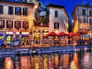 Restaurants by the river