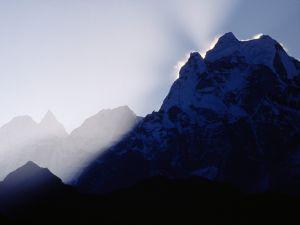 Light ripples on the mountain