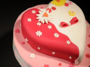Heart cake with flowers