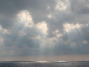 Rays of light towards the sea