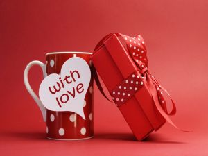 "Gift ""with love"" to celebrate Valentine's Day"